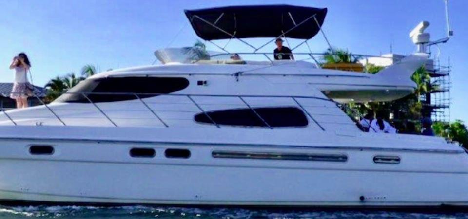 bucks party boat cruise gold coast glamor L
