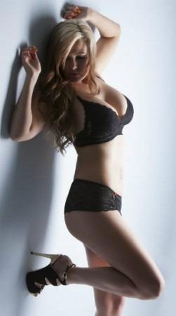 Model Bella