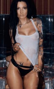 jordan_melb_topless_waitress