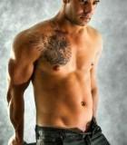 santiago_nsw_topless-waiter
