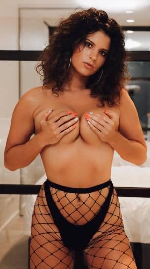 Naomi Nude Waitress in Melbourne